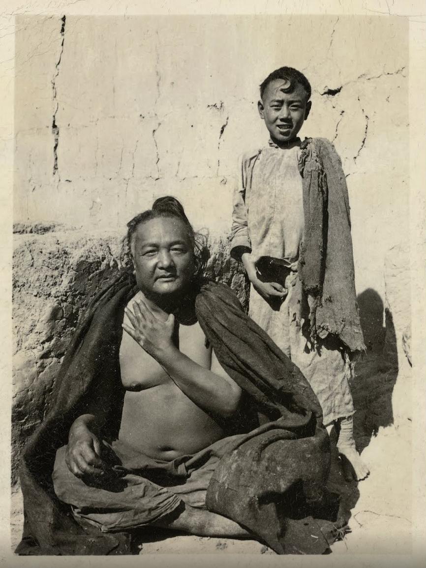 Signore dell'etnia Black Yi e il suo servitore