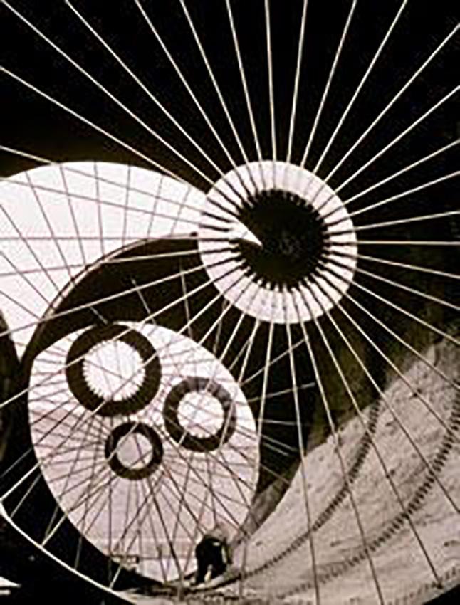 1.Margareth Bourke White Costruzione del tunnel del vento (1936)